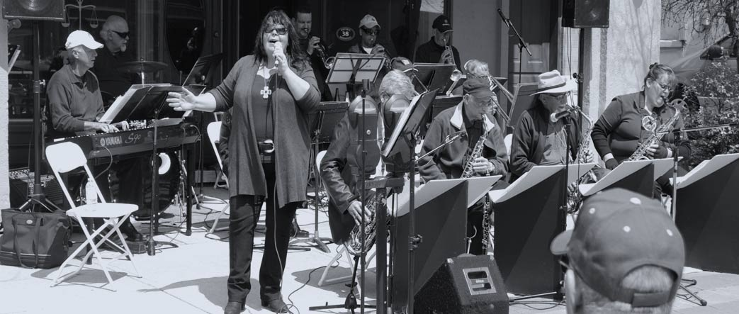 Lori Martin performing as vocalist with the Classic Swing Orchestra